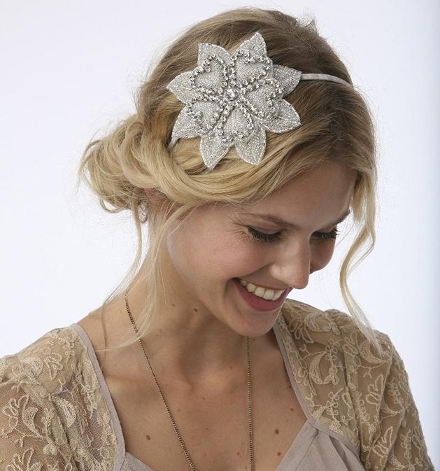 Des coiffures de mariage avec un serre tête